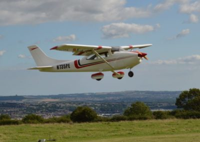 Top-Flite-Cessna-182-Low-Pass